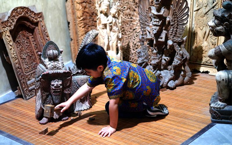 Asana Artseum Di Gwk Foto Studio Dengan Setting Jawa Dan Bali
