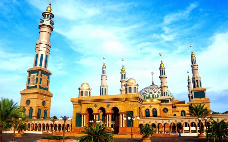 5 Masjid Megah Modern Di Indonesia