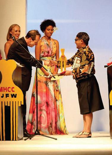 Samuel Wattimena Menang Di Fiji Fashion Week 2013