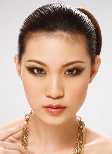Make Up Gaya Milan Glance