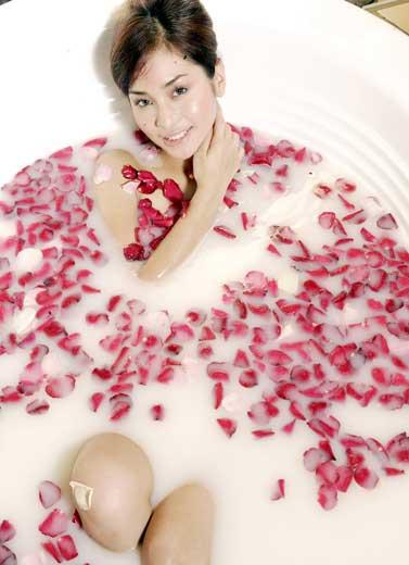 Berendam Bunga Mawar