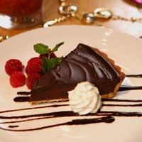 Tart Cokelat dengan Buah Beri