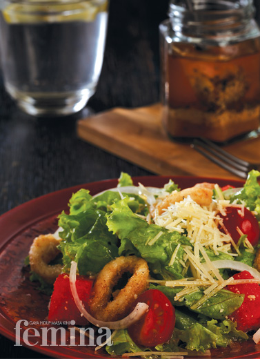 Calamari Salad With Cheese Dressing