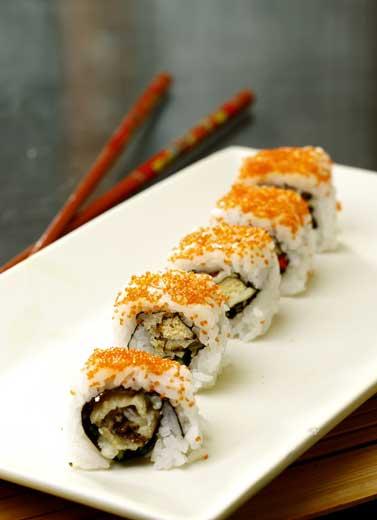 Cara Nikmat Menyantap Sushi
