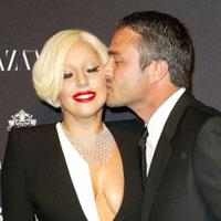 Lady Gaga Bertunangan
