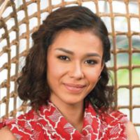 Adinia Wirasti, Feminin