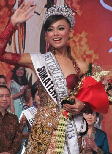 Whulandary, Dari WF ke Puteri Indonesia