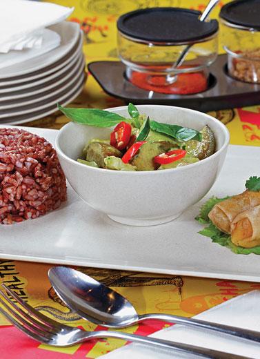 Persembunyian Thai Food