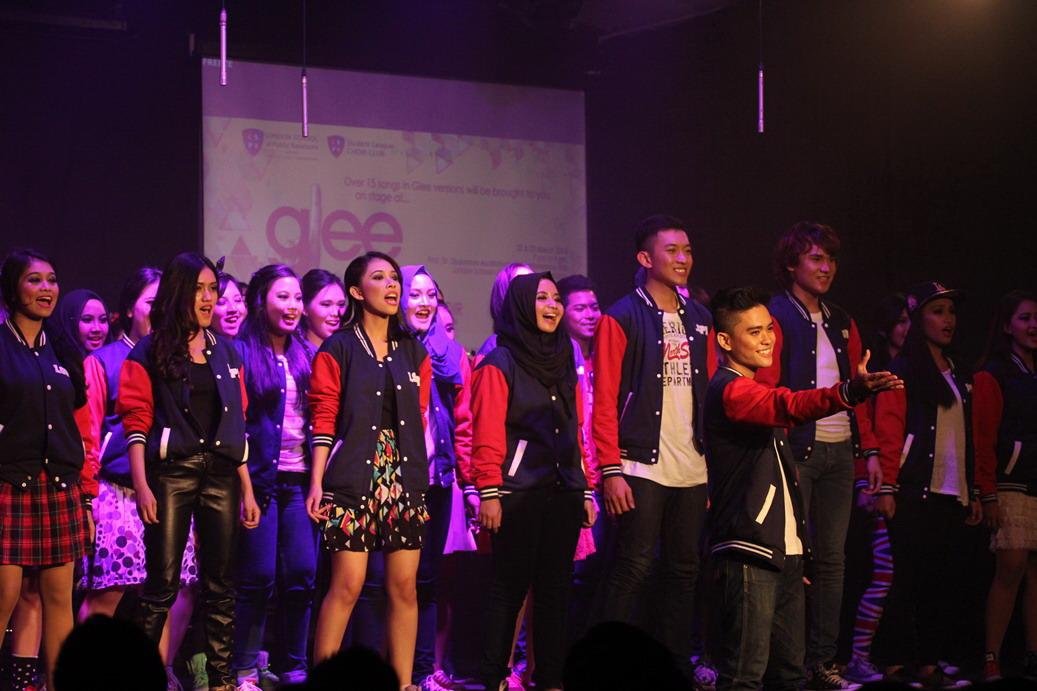 Konser Glee ala LSPR