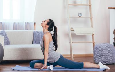 Sehat dari Rumah dengan Yoga