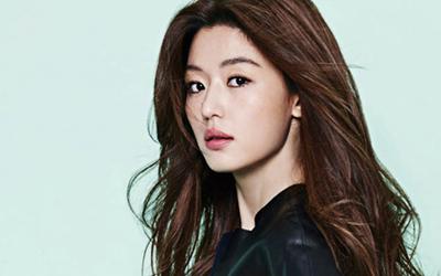 Setelah Menikah dan Memiliki Anak, Ini Cara Jun Ji-hyun Mempertahankan Tubuh Indahnya