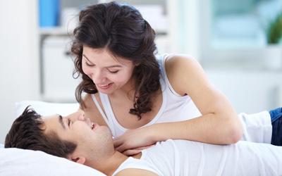 5 Kalimat yang Harus Dihindari Saat Bercinta