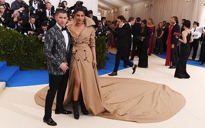 Priyanka Chopra dan Nick Jonas Resmi Berpacaran?
