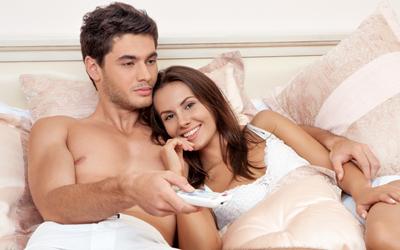 4 Cara Menikmati Posisi Seks Side Scissors