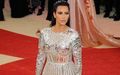Kasus Perampokan Kim Kardashian dan Budaya Pamer di Media Sosial