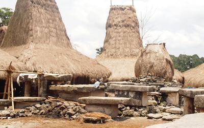 Jalan-jalan Sumba Barat: Tanah Seribu Kampung (Bagian 1)