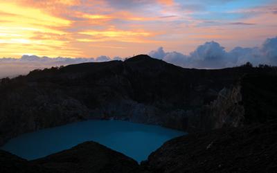 Mengejar Matahari di Danau Kelimutu dan Bukit Harapan, Flores