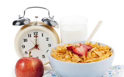 11 Makanan dan Minuman Praktis tapi Nggak Sehat