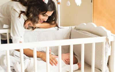 Sulit Menidurkan Bayi? Ini 4 Cara Agar Bayi Tertidur Sendiri