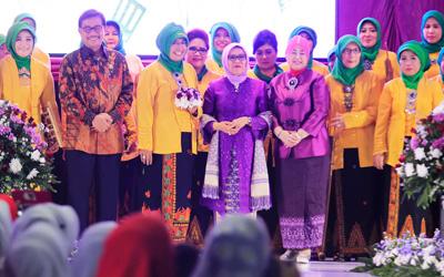 Kembangkan Produk Lokal di Hari Kartini