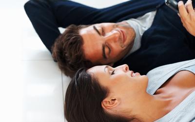 4 Suasana Bercinta yang Memudahkan Pasangan Mencapai Orgasme