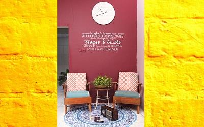 Hiasi Rumah Mungil Anda dengan Gaya Retro dan Sentuhan Pop Art Seperti Milik Apria Rahmadhina Ini