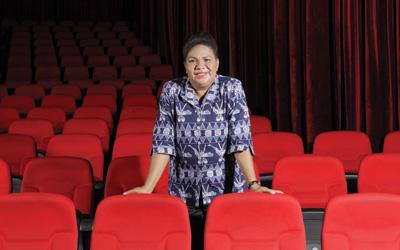 Hana Salomina Hikayobi, Pejuang Hak-Hak Wanita Papua