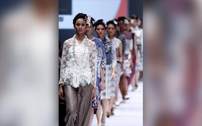 Jakarta Fashion Week 2017: LPM Alumni Tribute