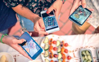 Benarkah Media Sosial Bikin Lapar?