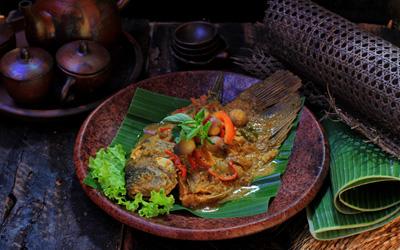 Dua Kultur Dapur di Resto Bale Udang Mang Engking Ubud