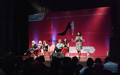 Aksi Komika Wanita di Pertunjukan Stand-up Comedy #PerempuanBerhak