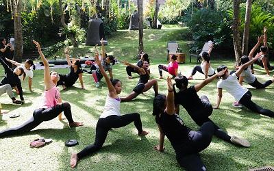 Yoga di Tengah Alam Menenangkan di Plataran Canggu Bali Resort & Spa