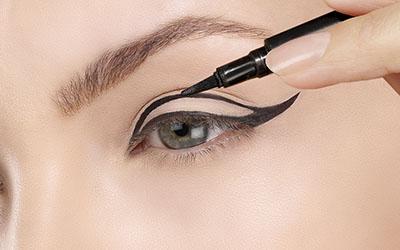 5 Cara Mudah Membuat Winged Eyeliner