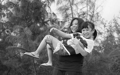 Berencana Membangun Keluarga Hanya dengan Satu Anak? Anda Butuh Pola Asuh Tepat