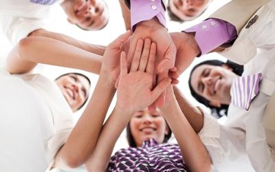 Sukses Dengan Gaya Kepemimpinan Feminin yang Mengutamakan Kolaborasi dan Inovasi