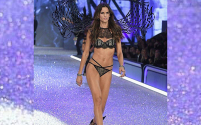 Karya Tex Saverio Tampil di Panggung Victoria's Secret Fashion Show 2016