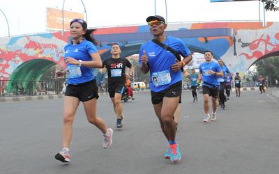 Usung Konsep Sport Tourism, Pelari Bandung Marathon Nikmati Keindahan Kota Bandung