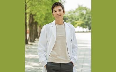 Kim Rae-won Berbagi Cerita Tentang Karakter Aslinya, Perannya di Doctors, Hingga Park Shin-hye