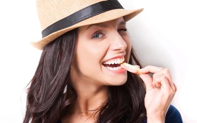 5 Cara Praktis Menghilangkan Gigi Kuning