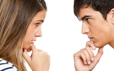5 Cara Mengatasi Pasangan yang Lebih Dominan