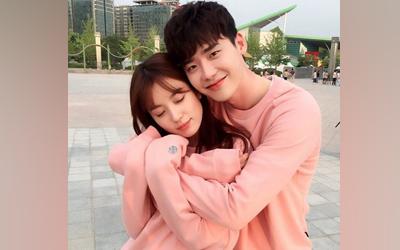Lee Jong-suk Blak-blakan Menceritakan Kisah Handcuff Kiss-nya Bersama Han Hyo-joo di Drama Seri W
