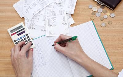 3 Tip Melatih Asisten Rumah Tangga Mengelola Uang