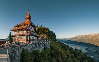 Mengunjungi Interlaken, Kota Pujaan Pujangga Dunia