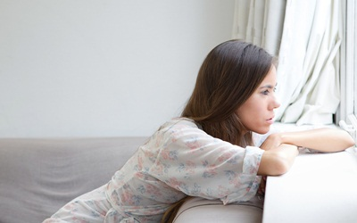 Stres Sebabkan Haid Singkat? Berikut Penjelasannya