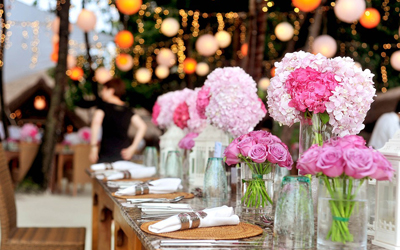Penataan Meja yang Mudah untuk Pesta Kebun Penuh Kesan