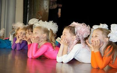 7 Tip Pergi Menonton Pertunjukan Bersama Anak