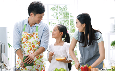 4 Cara Mudah Mendorong Suami Agar Lebih Terlibat dalam Pengasuhan Anak