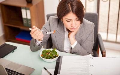 5 Makanan Pengganggu Konsentrasi