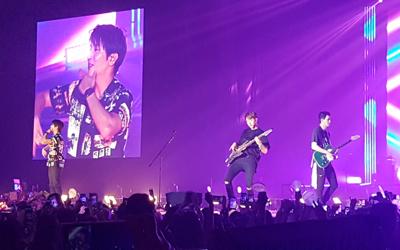 Tampil Enerjik di Konser Between Us Jakarta, CNBLUE Memberi Janji Manis untuk Fans