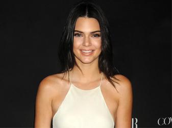 Tip Kendall Jenner Atasi Jerawat